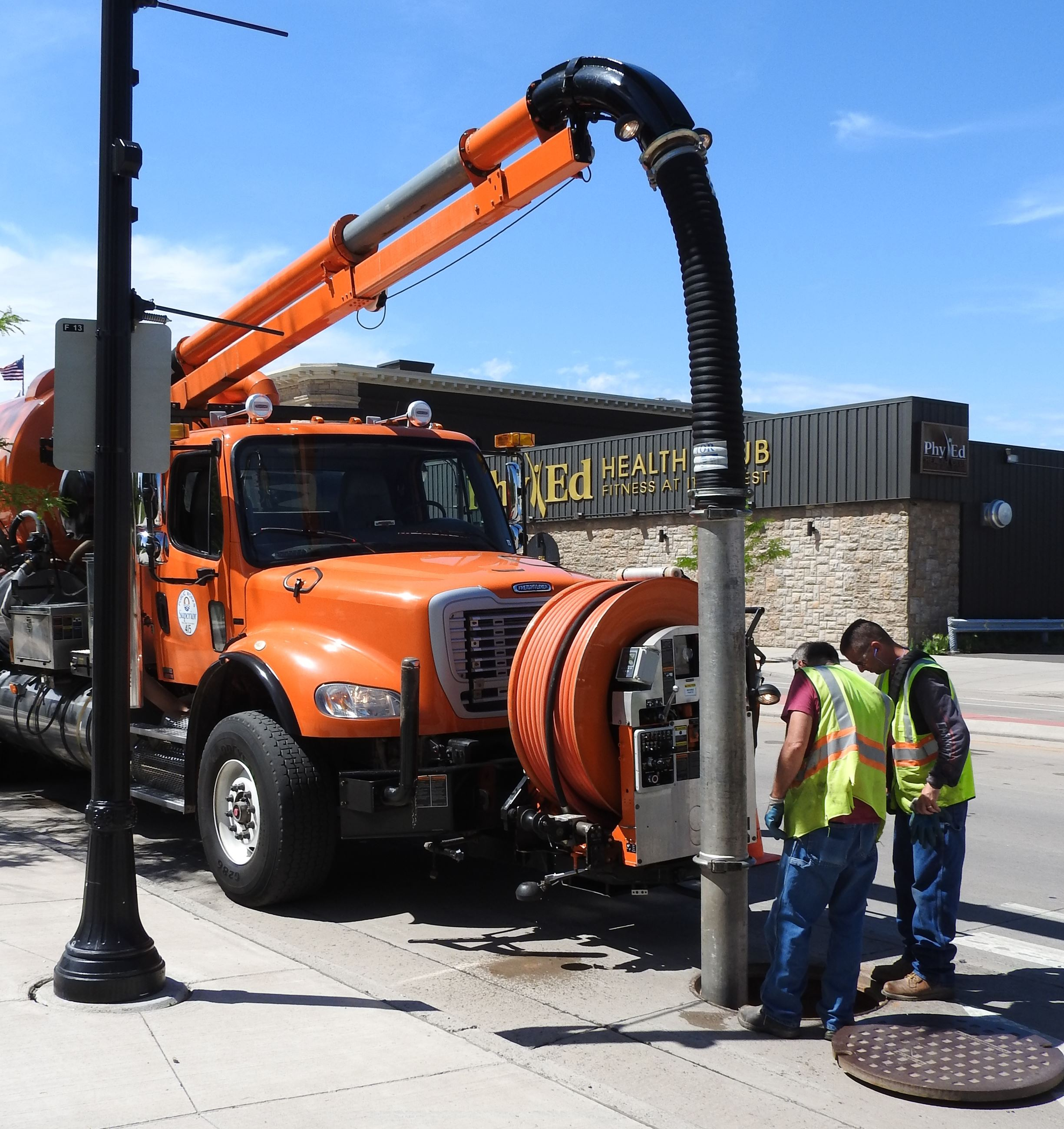 Jetter Truck cleaning Tower Ave Grit Chamber